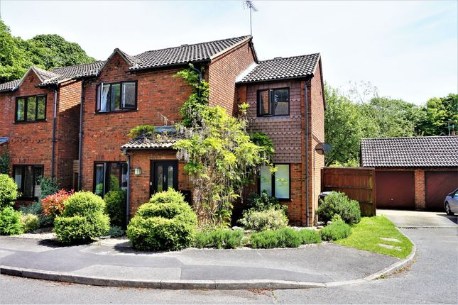 Thumbnail Detached house for sale in Rockfel Road, Hungerford