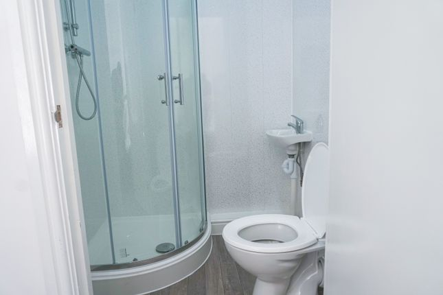 Ensuite of High, Street DY5