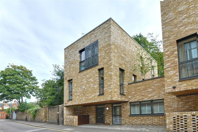 Exterior of Bardsley Lane, London SE10