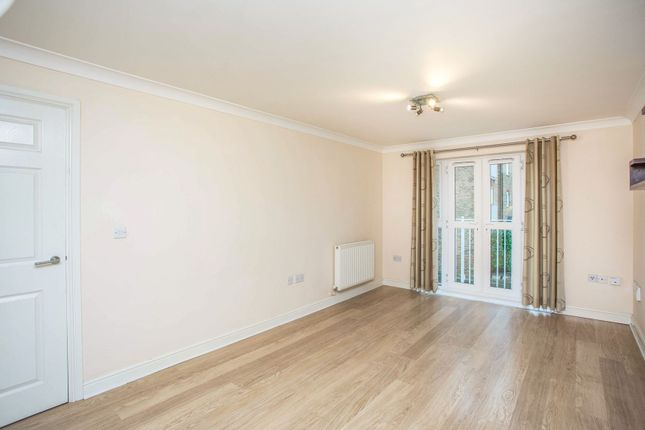 Living Room of Periwood Crescent, Perivale, Greenford UB6