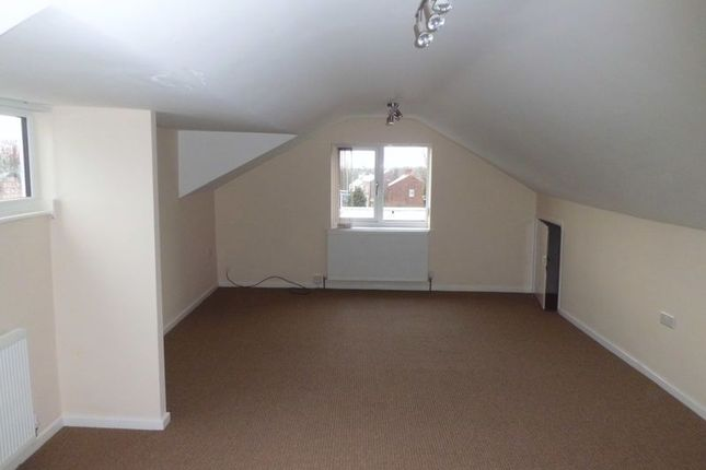 Thumbnail Flat to rent in Buxton Road, High Lane, Stockport