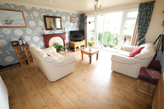 Lounge of 33 Mount View Road, Sheffield S8