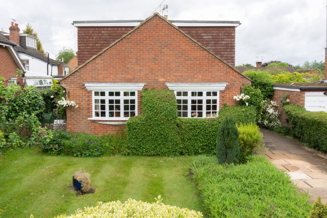 Thumbnail Detached house for sale in Mount Pleasant, West Horsley