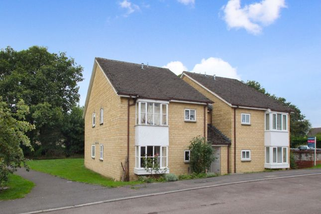 Thumbnail Flat to rent in Eton Close, Witney, Oxfordshire
