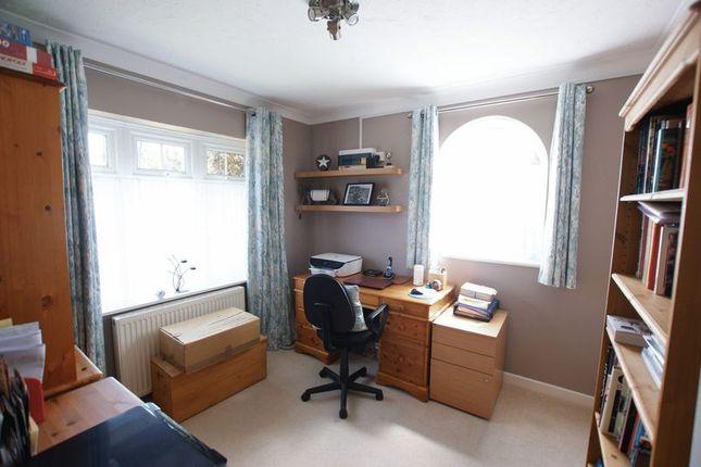 Study of Mimosa Drive, Fair Oak, Eastleigh SO50