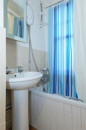 Bathroom of 6B Sunnycroft, Princes Avenue, Llandrindod Wells LD1