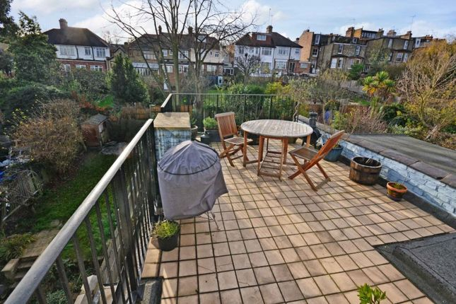 Thumbnail Flat to rent in Victoria Road, Alexandra Park, London