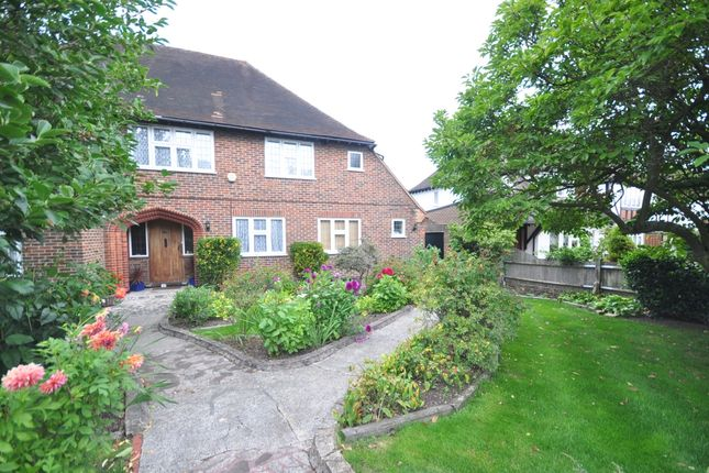 Thumbnail Detached house to rent in Grimwade Avenue, Croydon