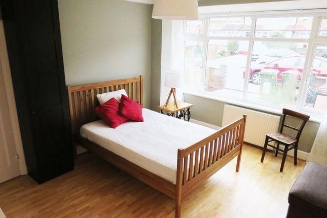 Thumbnail Room to rent in Mcleod Road, London