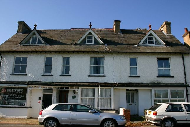 Thumbnail Flat to rent in Gold Hill West, Chalfont St. Peter, Gerrards Cross
