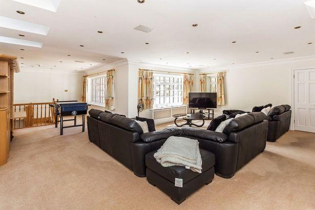 Family Room of Babylon Lane, Lower Kingswood, Tadworth, Surrey KT20