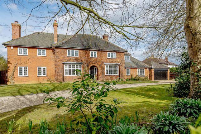 Thumbnail Property for sale in Ampthill Road, Silsoe, Bedford