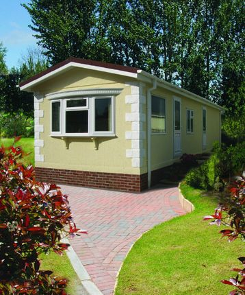 Thumbnail Mobile/park home for sale in New Forest Park, West Common, Southampton
