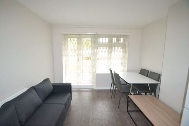 Thumbnail Flat to rent in Cable Street, London