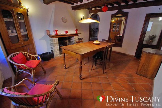 2 bed town house for sale in Via di Collazzi, Montepulciano, Siena, Tuscany, Italy