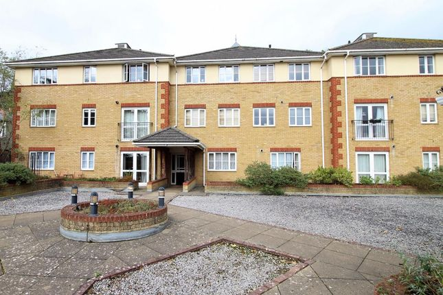 Thumbnail Flat for sale in St Michaels Road, Camberley