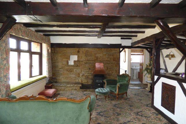 Lounge of Broomfield Close, Sandiacre, Nottingham NG10