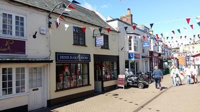 Thumbnail Retail premises for sale in 14 High Street, Hythe, Southampton