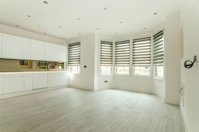 Thumbnail Flat for sale in Ferme Park Road, Crouch End