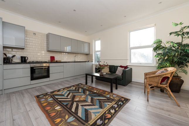 2 bed flat for sale in Flat 3, 8 Avenue Gardens, Acton, London W3