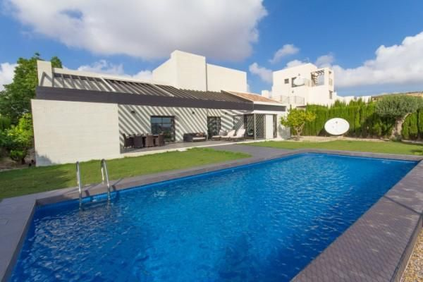 Thumbnail Villa for sale in Peraleja Golf Resort, Sucina, Murcia, Spain
