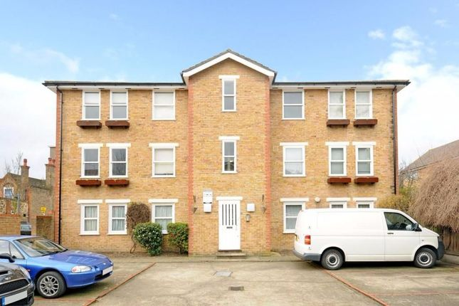Thumbnail Flat to rent in Elmtree Court, Camberwell