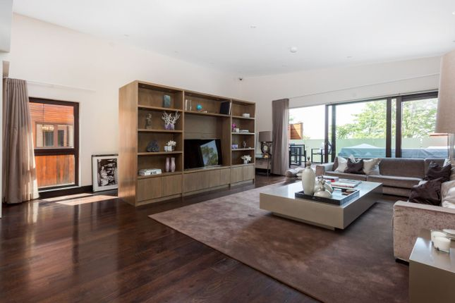 Thumbnail Flat for sale in West Heath Road, London