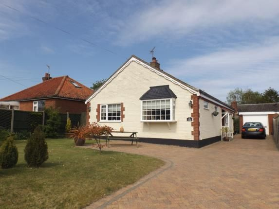 Thumbnail Bungalow for sale in Southrepps, Norfolk
