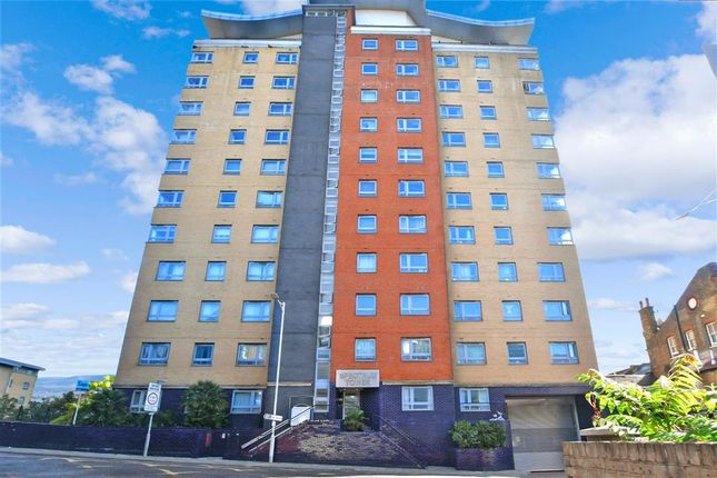 2 bed flat for sale in Hainault Street, Ilford, Essex IG1