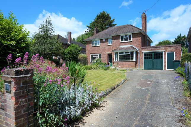 Thumbnail Detached house for sale in Grosvenor Road, Reading