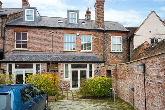 Thumbnail Detached house for sale in 8 Nelson's Yard, Walmgate, York