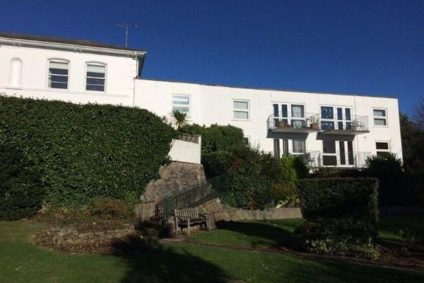 Thumbnail Flat to rent in Higher Warberry Road, Torquay