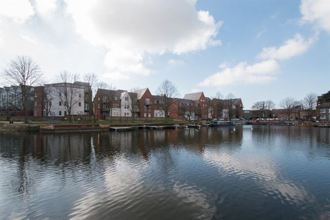 Thumbnail Flat to rent in Canal Wharf, Chichester