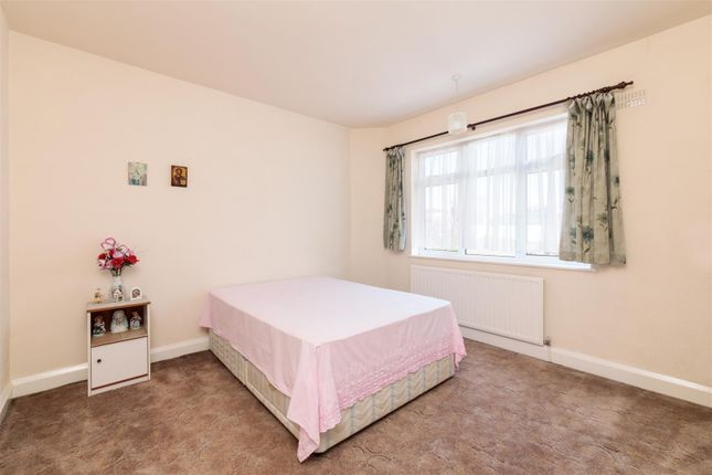4R3A9281 of Rectory Gardens, Hornsey N8