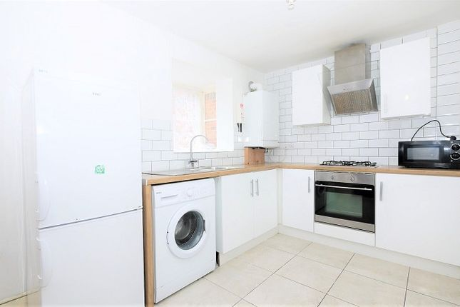 2 bed end terrace house to rent in North Street, London, Greater London E13