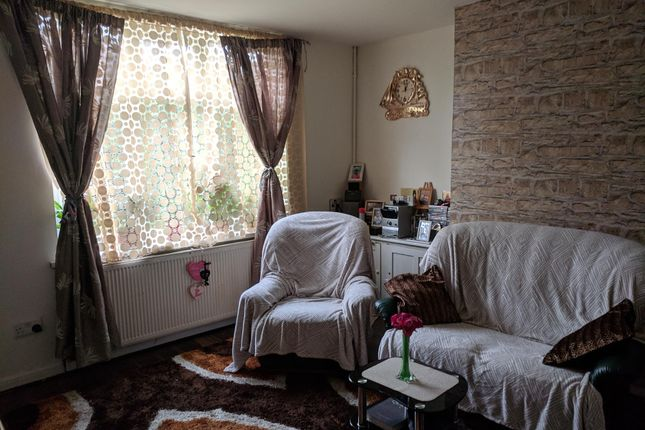 Reception Room of Earlsmead Road, Birmingham B21