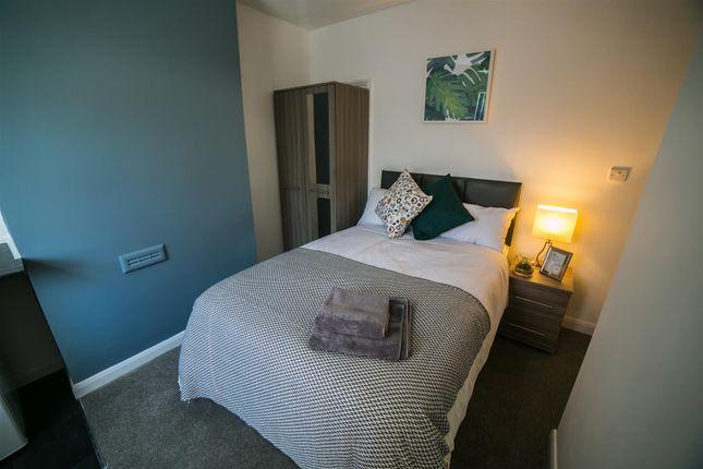 Room to rent in Two Gates, Halesowen B63