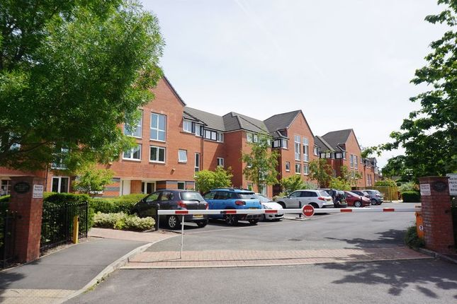 Thumbnail Flat for sale in Metcalfe Drive, Romiley, Stockport