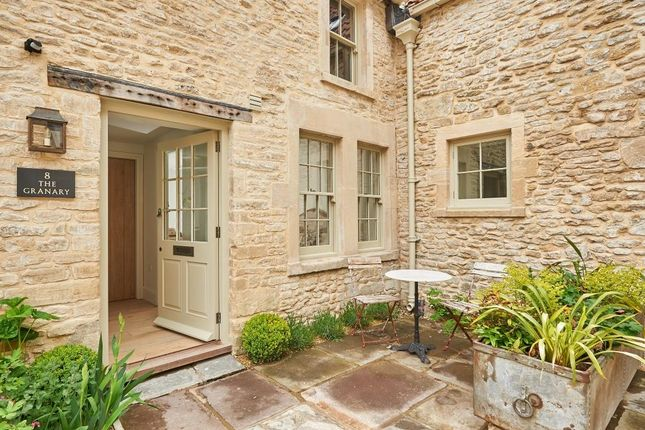 Thumbnail Cottage for sale in The Granary, 8 The Crown, Marshfield, South Glos