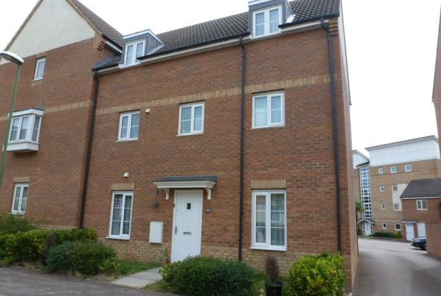 Thumbnail Property to rent in Eddington Crescent, Welwyn Garden City