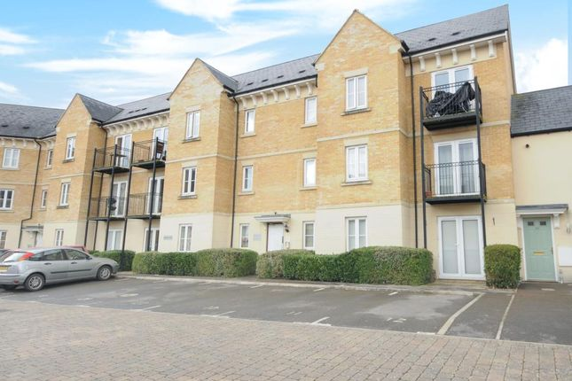 2 bed flat to rent in Trefoil Way, Carterton