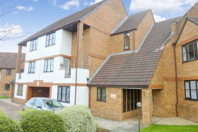 Thumbnail Flat to rent in Ridge Green, Swindon, Wiltshire
