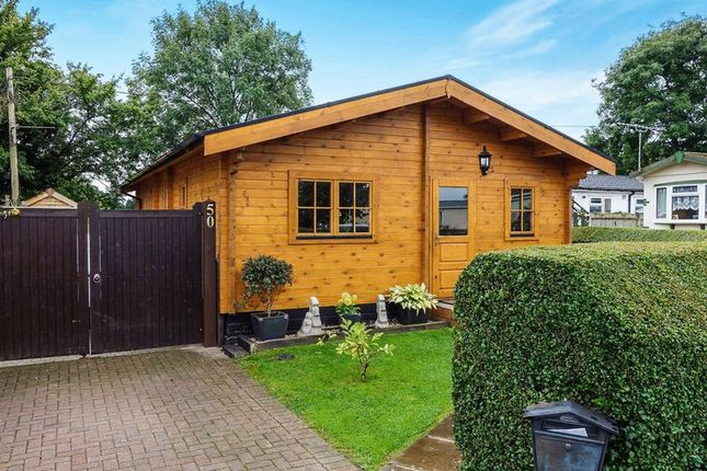 Thumbnail Mobile Park Home For Sale In Grovelands Avenue Winnersh