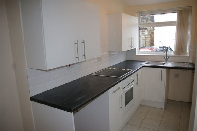 Thumbnail Property to rent in Mill Street, Bromley Cross, Bolton