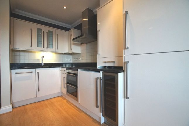 Thumbnail Flat for sale in Southend Road, Hockley