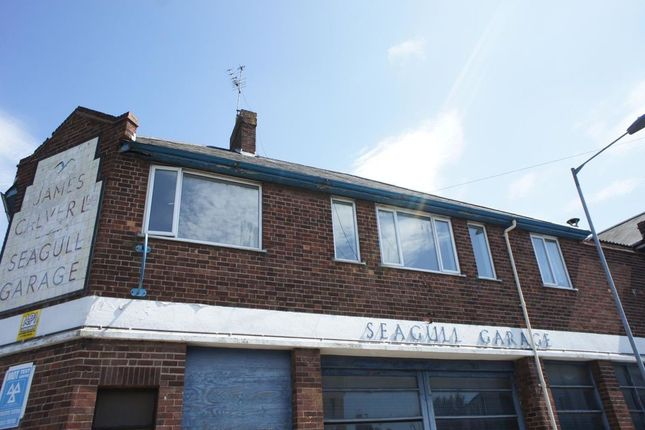 Thumbnail Flat to rent in Queens Road, Great Yarmouth
