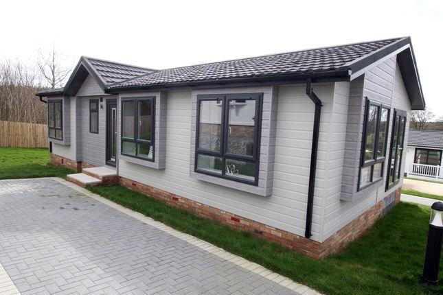 Thumbnail 1 bed mobile/park home for sale in Spill Land Country Park, Biddenden