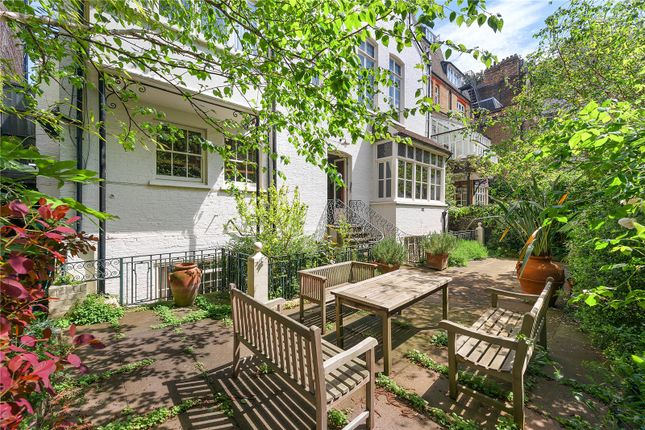 Thumbnail Semi-detached house for sale in Tite Street, London
