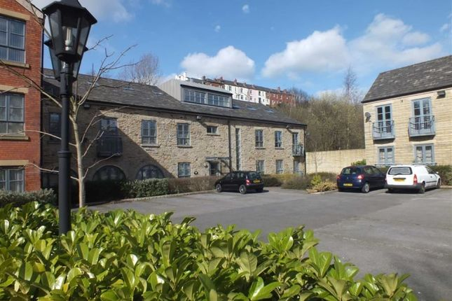 Thumbnail Flat to rent in Higher Tame Street, Stalybridge
