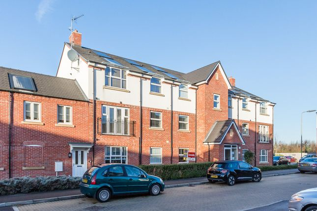 Thumbnail Flat for sale in Tyne Way, Rushden